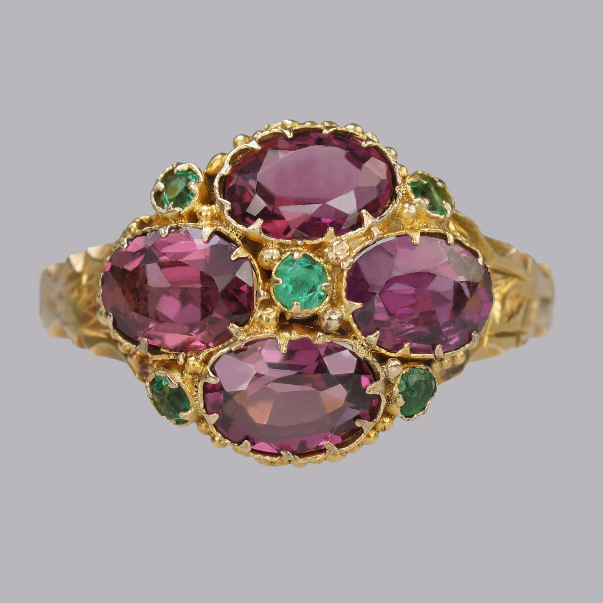 What are the attractions of antique and vintage jewellery?