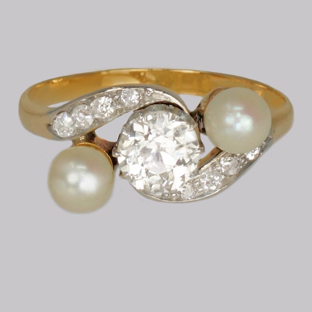 Ring Antique Pearl & Diamond Trilogy Twist Ring