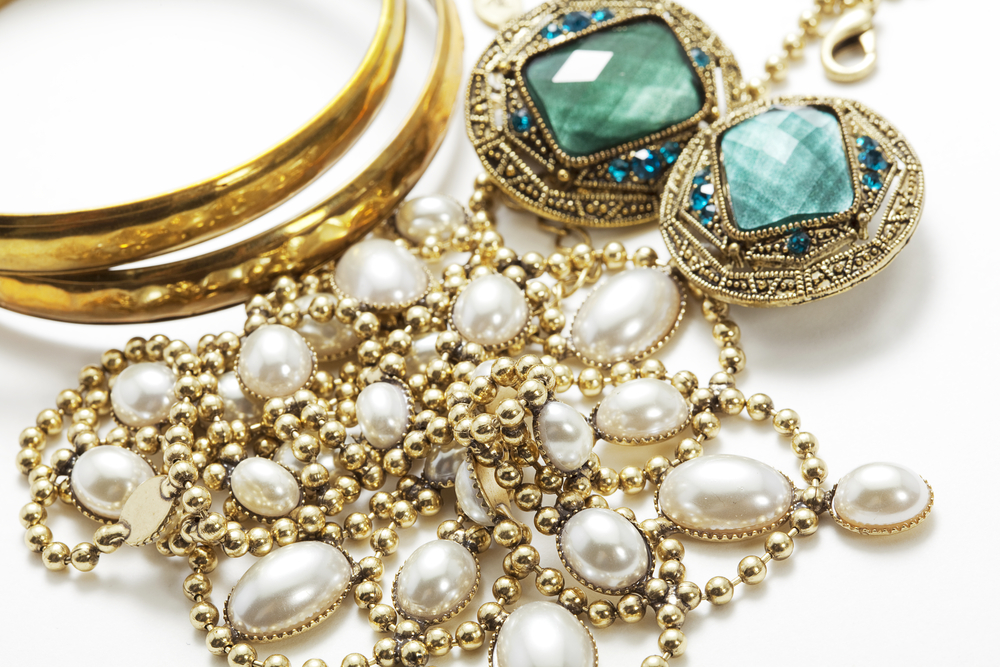 Vintage Vs Antique Jewellery – What's the Difference?