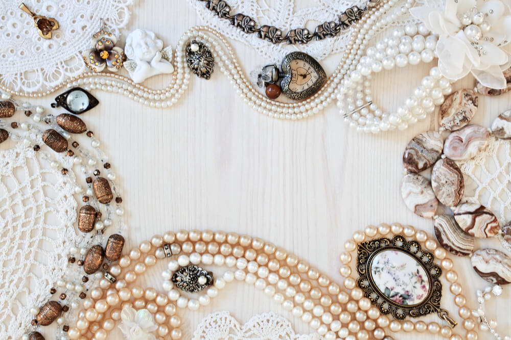 The Ultimate Buyer's Guide to Georgian Jewellery